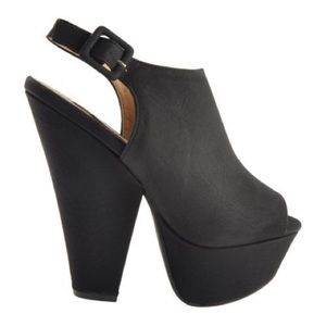 Steve Madden Black Leather Gabby Platform Heels